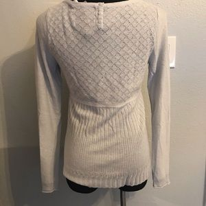 Anthropologie Sweaters - Anthropologie Guinevere gray sweater size M